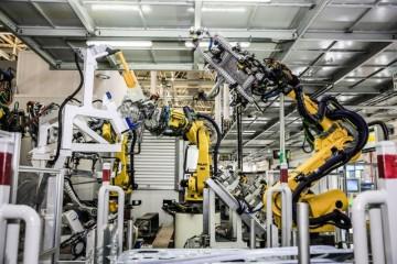 增程式电动车突围多元场景更高残值的赛力斯华为智选SF5能否成为新能源车市的新生力量